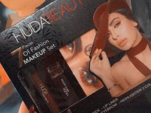 Huda Beauty Make Up Set