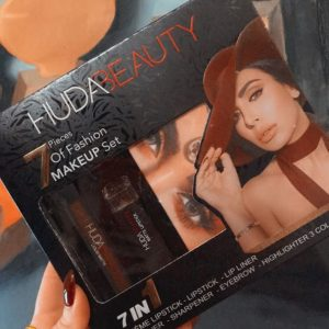 Huda Beauty Make Up Set