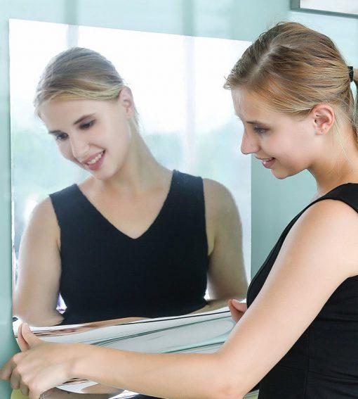 Pasqyre Elastike